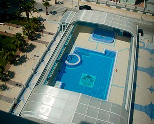 Complejo residencial marina azul marina azul for Piscinas picornell padel